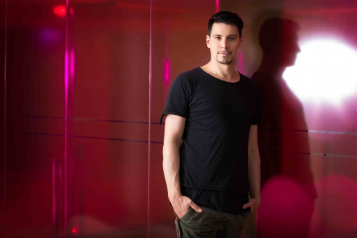 Thomas Gold by Natascha Romboy